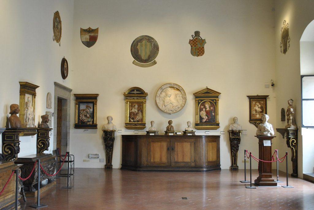 1609px-Sala_del_Verrocchio_museo_nazionale_del_Bargello_Firenze