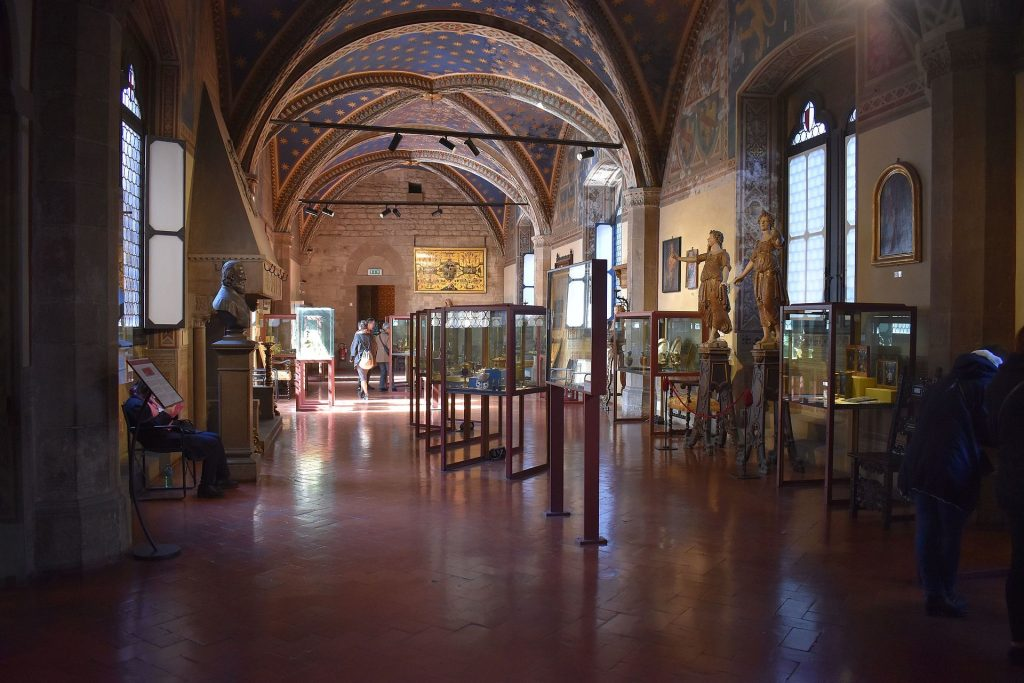 Sala_Carrand_-_Carrand_room_Museo_Bargello_Firenze