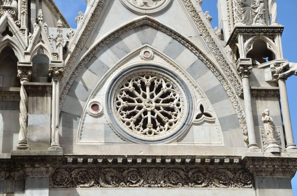 gothic-rose-window