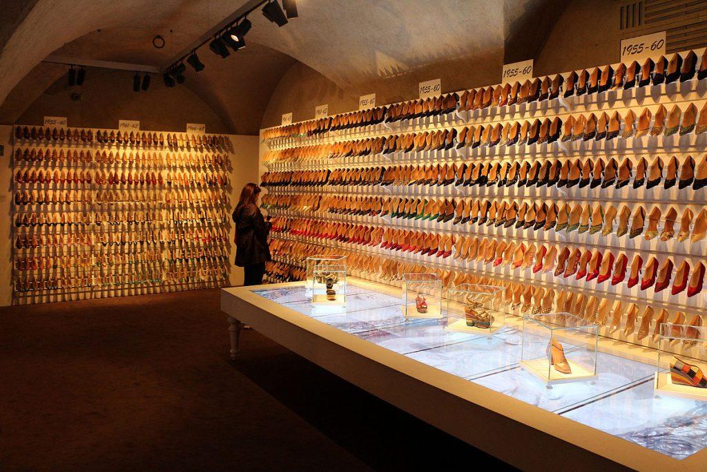 Museo_ferragamo,_campionario_storico_di_calzature_femminili_05