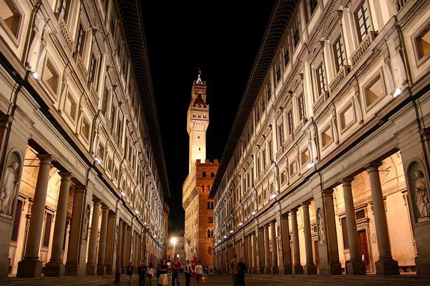 Uffizi-by-night