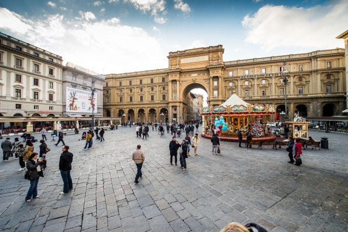 piazza_repubblica_florence-680x453