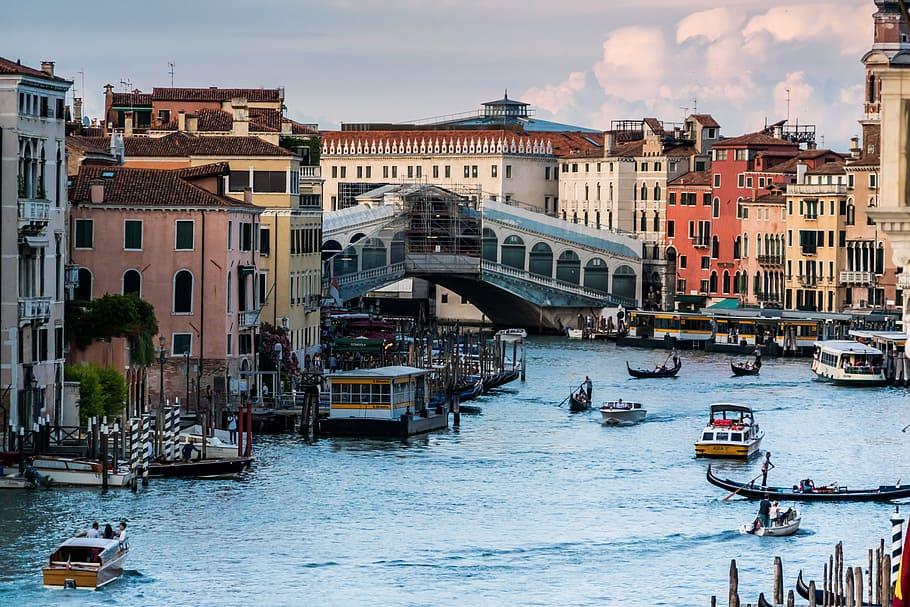 venice-italy-rialto-bridge-grand-canal