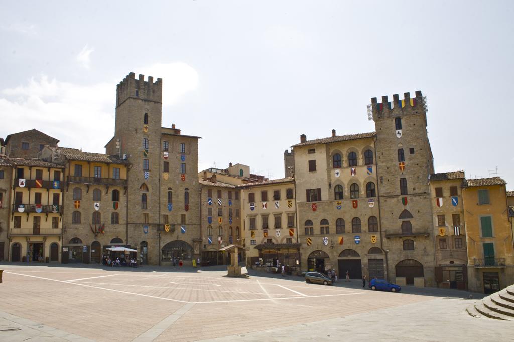 Plaza_de_Arezzo