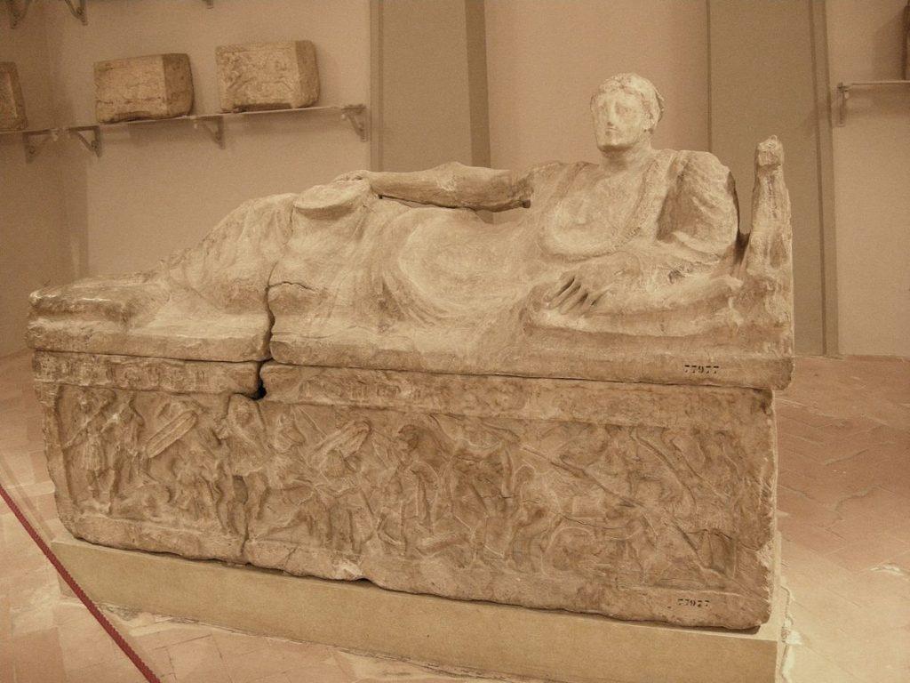 Museo_archeologico_di_Firenze,_sarcofago_77977,_3