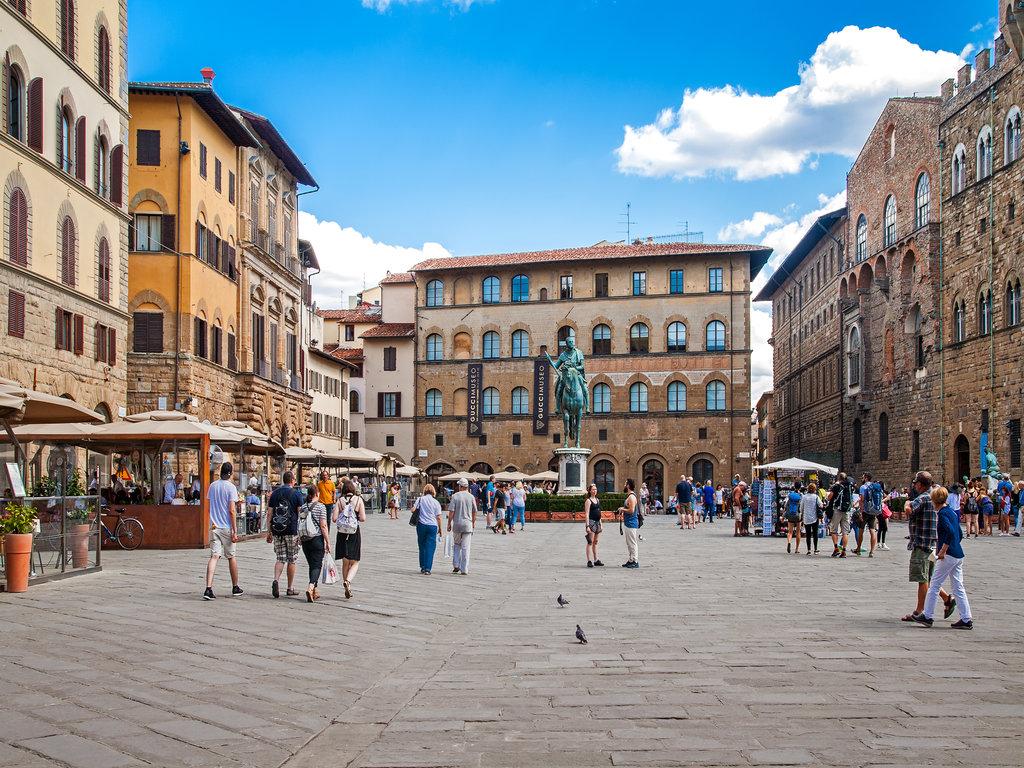 rsz_florence_walk_tour_piazza_signoria_shutterstock_334736168_lg