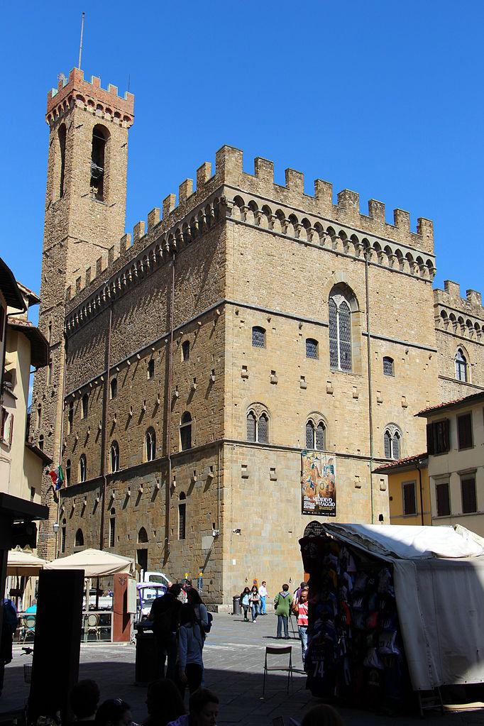 Palazzo_del_bargello_visto_da_piazza_san_firenze (1)