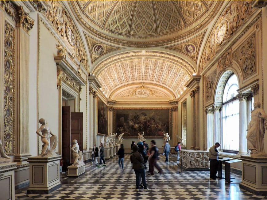 Uffizi-Gallery-Florence-Galleria-Uffizi-Firenze-interior-01
