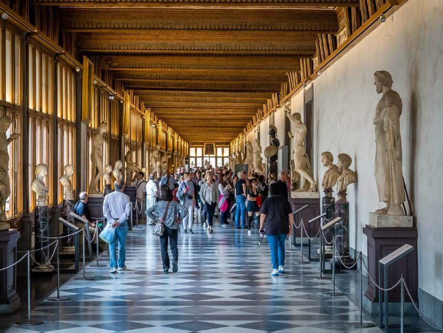 Uffizi-Gallery-Florence-Galleria-Uffizi-Firenze-interior-02